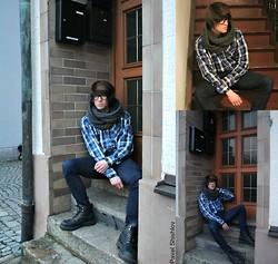 Pavel Shishlov - Ray Ban Glasses, C&A Scarf, H&M Longshirt, Levi's® Jeans, Deichmann Boots - AFTERNOON HIPSTER SHOOT
