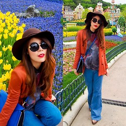 B @Style Voyage - Zara Blazer, Zara Printed Top, Zara Blue Bag - Screams 70s