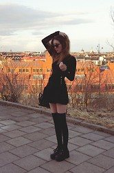 Shelley Mulshine - Vintage Body, American Apparel Circle Skirt, H&M Over Knee Socks, Vintage Purse, Milanoo Shoes - STOCKHOLM ROOFTOPS