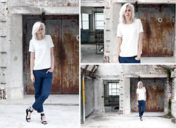 Sietske L -  - Blue jeans, white shirt