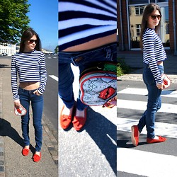 Diana Dolci - Zara Moccasins, Massimo Dutti Jeans, Zara Top, Paul's Boutique Clutch, Massimo Dutti Sunglasses - Let's Add Some Red Ink!