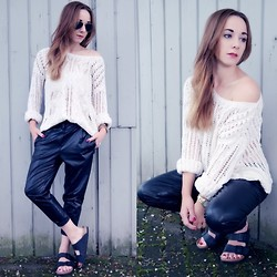 Clean Couture Lu - Imperial Leather Boyfriend Pants, Birkenstock Sandals, H&M Knitted Sweater - Boyish look