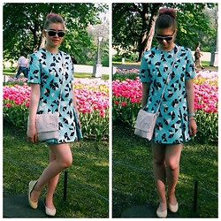 Kseniya Andreeva - Red Valentino Bag, Jeremy Scott Ballerinas, Boutique Dress, Ray Ban Sunglasses - Spring Tulips