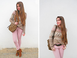 Cristina - Zara Sweater, Guess? Bag, Marypaz Booties - Pink pale love