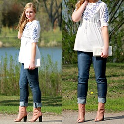 Rachel @Rachel's Lookbook - Oasap Blouse, Kut Jeans, Shoedazzle Open Toe Booties, Aldo Clutch - Embroidered Top