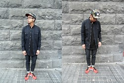 Dan Pantoja - I Love Ugly Navy Work Shirt, I Love Ugly Selvaged Jeans, Nike Flyknit Racers - GATHERING AROUND Δ