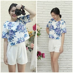 Yangpechie - The Red Fox Blue Love Top, The Red Fox Daisy Short - Blue Love