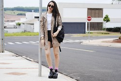 Gabriela Araujo - Forever 21 Jacket, Abercrombie Top, Forever 21 Short, H&M Sunnies, Sammydress Cut Out Boots - Harder than you think