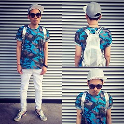 SOMAD • MATTHEW • 蘇柏傑 - Stylenada Jeans, Idp.Letiop Bag, Katen Walker Sunglasses, Toga Necklace, Tiger Shoes, Yah Cap - Blue camo guy