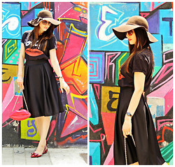 Daniela Macsim - Zara T Shirt, Stradivarius Floppy Hat, Why Denis Shoes - KISS ME