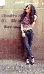Ruzanna Margarian - Bershka Top, Pull & Bear Jeans, Parfois Ballerinas - Such a beautiful lie to believe in