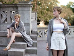 Ellen Hallström - Nelly Chain Necklace, Asos Top, Marie Philippe Coat, Second Hand Shorts, Second Hand Leather Shoes - Stone grey.