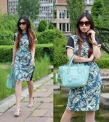 Cassandra Y. Liu - Blackfive Dress, Oasap Mint Bag - Walk in the Summer Prints