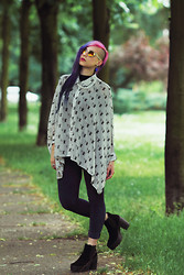 Alissa Verj - Gina Tricot Transparent Sunglasses, Gina Tricot White Chain, Drop Dead Woof Woof Shirt, H&M Velvet Leggings, Sacha Platform Boots - Woof woof