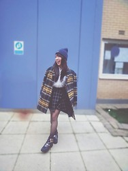 Zonia CYK - Romwe Oversized Coat, New Look Cotton Shirt, H&M Skirt, Boohoo Ankle Boots, Vera Wang Lovestruck - Smile a day