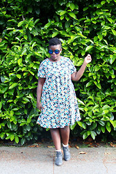 Lydia O. - Asos Reflective Sunglasses, Alice You Floral Swing Dress - ASOS Curve.