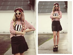 ♡Anita Kurkach♡ - Sheinside Skirt, Topshop Sweater, Romwe Glasses, Schuzz Shoes - As the minute is full of it.