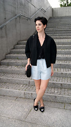 Kate I. - Frontrowshop Coat, Bershka Blouse, Zara Shorts, Zara Bag, Zara Shoes - Mf/060114