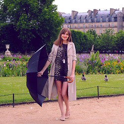 Anastasia K. - Frontrowshop Dress, Monki Trench Coat, Bloch Ballerinas, Asos Dream Catcher - One day in paris. :)