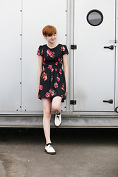 Josephine & Leonie - Atmosphere Flower Dress, Dr. Martens White Docs - Red Roses