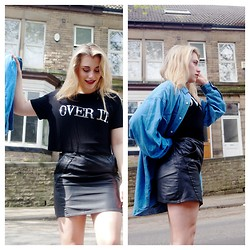 Jess Atkinson - Topshop Over It Tee, Vintage Denim Shirt, Vintage Leather Skirt - Over It // Wolf in the City