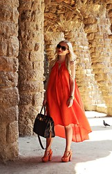 Justyna B. - Michael Kors Bag, Givenchy Sunglasses, Guess? Watch - Parc Güell <3
