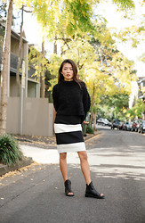 Yan Yan Chan - Shakuhachi Skirt, Kobe Husk Shoes, Asos Turtleneck - Stripes in Paddington.