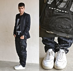 Boris Cornilleau - Drkshdw Gym Tee, Dior Homme Black Waxed & Destroyed Jeans, Common Projects Bball Sneakers, Zara Black Blazer - V