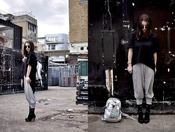 2 in da House . - Asos Tshirt, Secondhand Jumpsuit, Nike Socks, Mango Heels, Topshop Sunglasses - Black & Grey