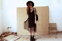 Vu Thien - Frontrowshop Sheer Dress, Sheinside Black Dress, Wizard Of The West Cat Eyes Sunglasses - WIZARD OF THE WEST