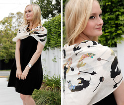 Izzy Bea - Andéol Floral Scarf, Asos Shift Dress - LADY LIKE