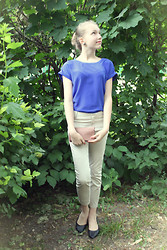 Arina Zabelina - Incity Blue Top, Mango Beige Pants 7/8 - Going to the theatre