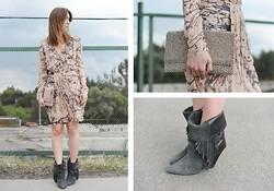 Lola Fromvalencia Nike Sneakers, Versace Skirt, Blk Dnm