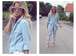 Emmy Nikolausson - Gina Tricot Coat, River Island Sunglasses - - BLUE VELVET -