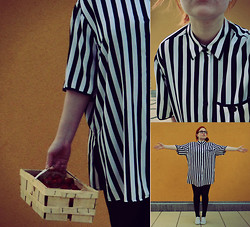 Barbora H. - Second Hand Shirt - Time for strawberries, books and stripes