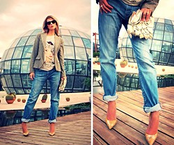 Arianna Gabrielli - Guess? Shoes, Valentino Bag, Calvin Klein Jeans -  Glass House