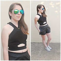 Vanessa Ribeiro - Solunamode Top, Romwe Shorts, Romwe Sunglasses - THE SUNSET