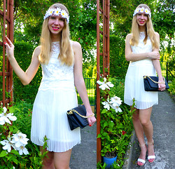 Ania Zarzycka - Abaday Dress - Crazy Daisy