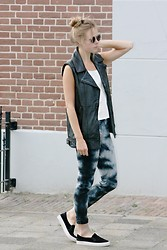 Jint B. - Costes Leather Vest, H&M Tie Dye Jeans - Leather & a print