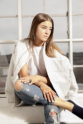 Ciara Broadbery -  - THE WHITE BOMBER JACKET