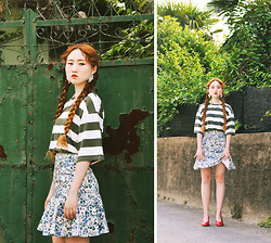 Autumn Kim - The Centaur Pearl Grape Earring, Phila Petra Stripe Top, Phila Petra Mermaid Line Skirt, Vintage Hollywood Pearl Necklace - Colours of summer