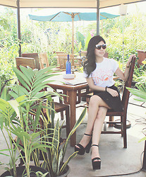 Liana Wibowo -  - Just a casual T Shirt Day in the Gardens