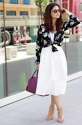 Maya Maharramova - Topshop Skirt, Louis Vuitton Bag, Aquazzura Sandals, Miss Self Ridge Top, Miss Selfridge Top, Illesteva Sunnies - CARRIE BRADSHAW MOMENT