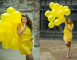 NUR ERADLI - Zara Dress, Utergüe Heels - Yellow Balloons