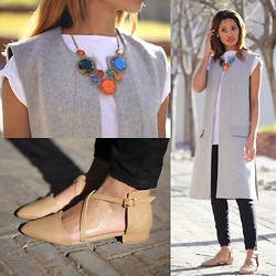 LynnJazzy . - Zara Sleeveless Coat - Plain white tee