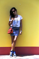De Pointe en Blanc By Ilaria Bianchi - Golden Goose Sneakers, H&M Skirt, Zara Tee, Hugs Bag - My casual stripes look