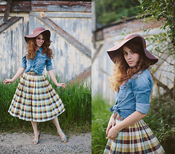 Delightfully Tacky . - Modcloth Top, Lulu's Hat, Vintage Skirt, Seychelles Shoes - PRAIRIE
