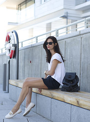 Hedvig ... - Balenciaga Top, Stella Mccartney Shorts, Tod's Loafers, Meli Melo Backpack - Nautical