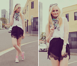 Izzy Bea - Andeol Colourful Print Scarf, One Way Lace Shorts, Converse High Tops - BREAKING IT UP