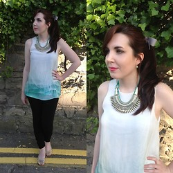 Hannah - Willow&Clo Green Puddle Earring, Primark Statement Necklace, Zara Ombre Blouse, H&M Black Leggings, Primark Gold Pumps - Statements and Bows